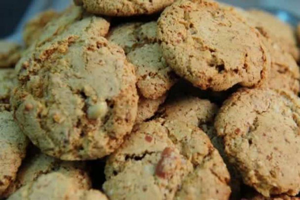 Ler mais sobre Nutricionista ensina três receitas magrinhas com amendoim.